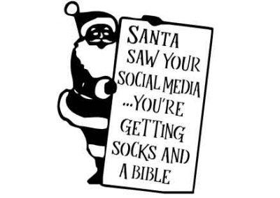 SantaSawYourSocialMedia-12x15